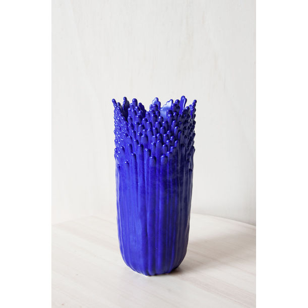 Blooming floral ascending vase - electric blue by Cecile Bichon