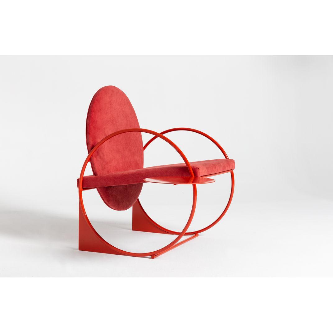Bloody Orange Bullarengue Lounge Chair by Angel Mombiedro