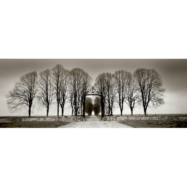 Les portes  du chateau de Villarceaux by Jerome LeTellier