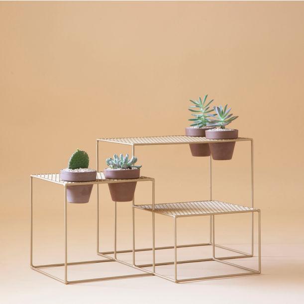 Aurea - gold level table by Fi