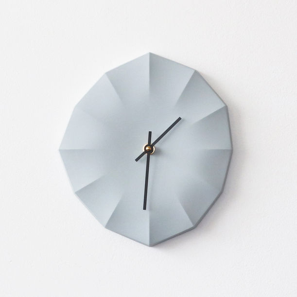 Click Clock L | Ice Gray with Black Hands by Aratani Fay