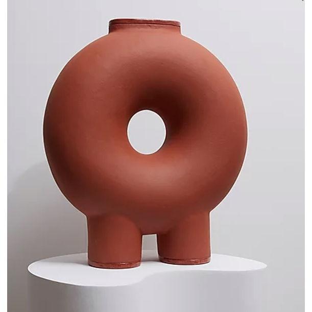KUMANEC two legs vase by Victoria Yakusha