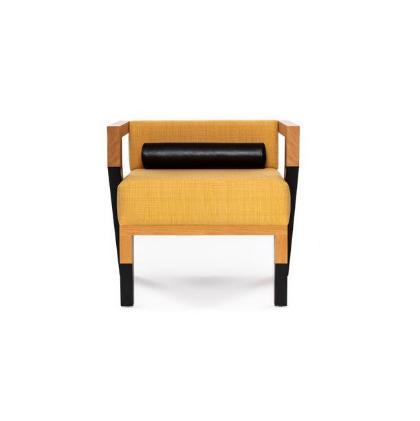 Oilli Lounge Chair by Zonddi