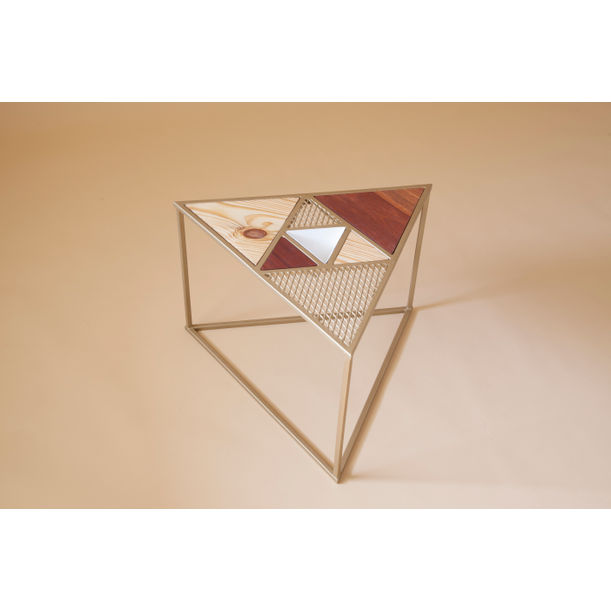 Aurea - gold triangle table by Fi