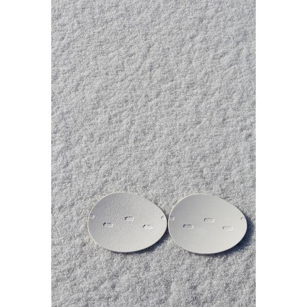 SNOW WALTZ oval plate by NAM ceramic works