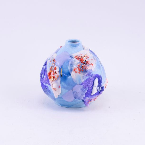 Blue bud by Ling Chun