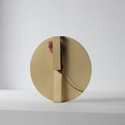 Wearing a Vase 01 by Norihiko Terayama