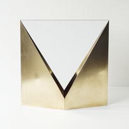 "Mirror as an architecture, ""Triangle"" by Norihiko Terayama"