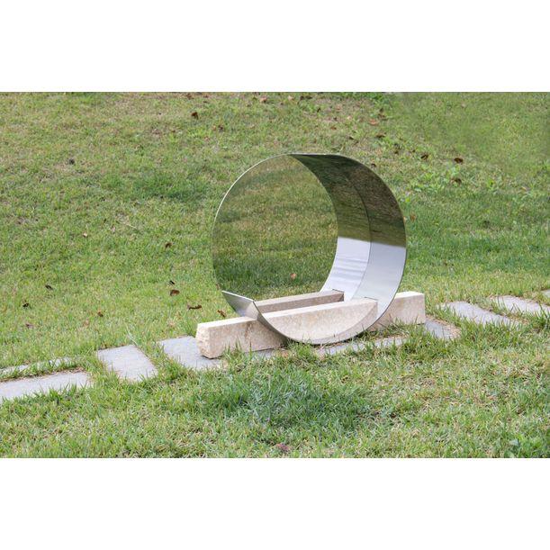 HalfHalf round Circle 58 by Jinsik Kim