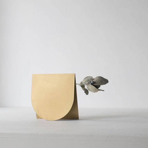 Wearing a Vase 03 by Norihiko Terayama