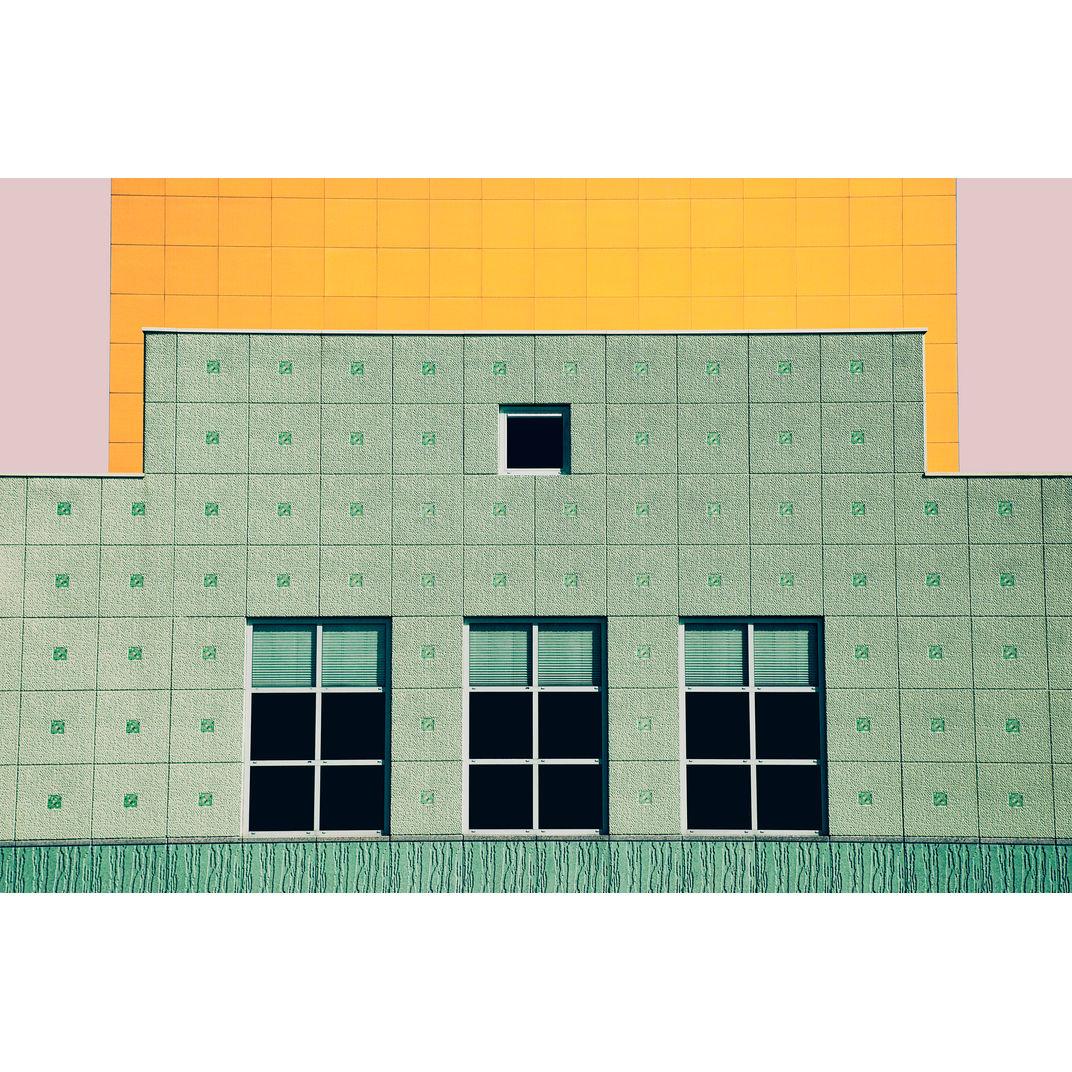 A coloured top by Zhou Chengzhou
