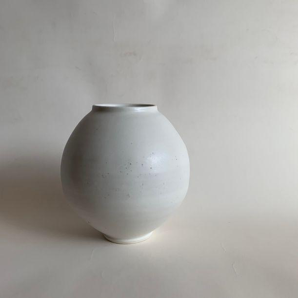 Impurity Moon jar by Mie Kim