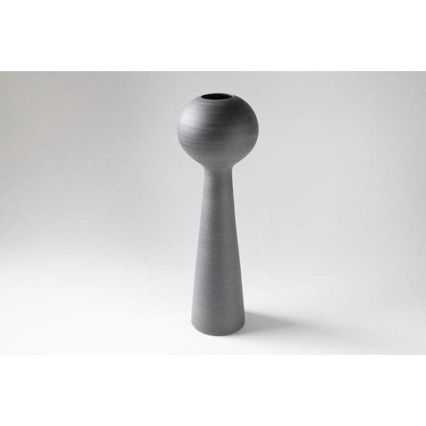 Vase 005 by Nozomi Fujii