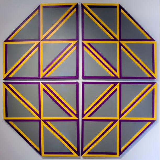 Gray Triangle01 by Tadasuke Jinno