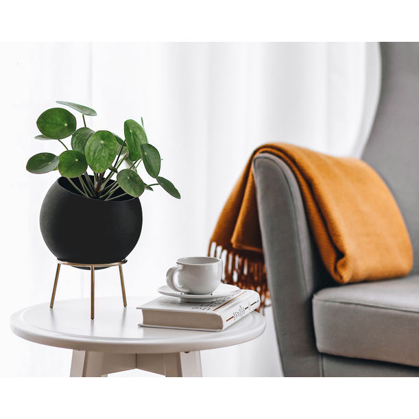 Globe Planter Midi / Black by Kitbox Design