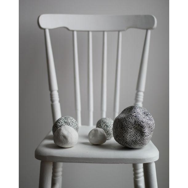 Set of 5 Porcelain Spheres by Kira Ni