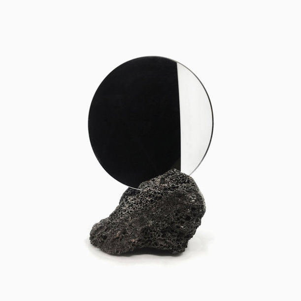 Me Mirror by Studio Buzao