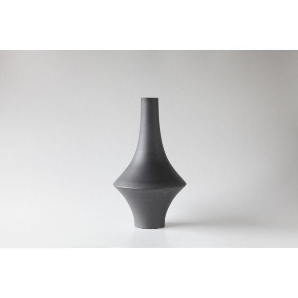 Vase 009 by Nozomi Fujii