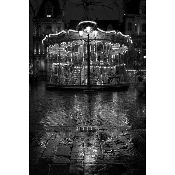 Carrousel - Signed limited edition fine art print, Place de l'Hôtel de Ville in Paris by Ian Sanderson