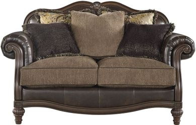 Winnsboro Vintage Loveseat