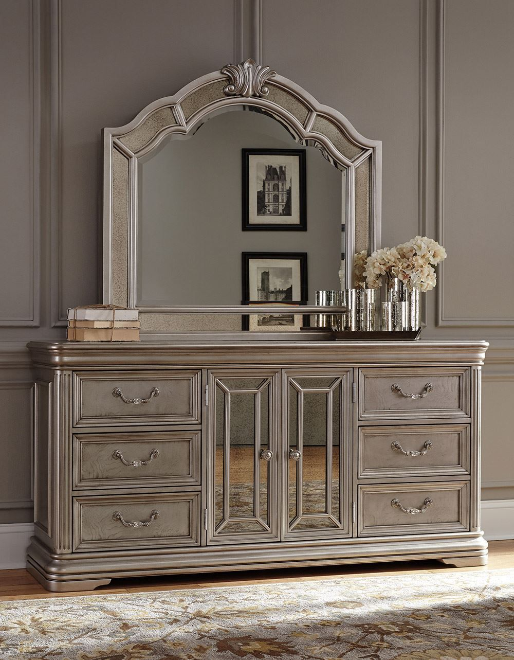 Picture of Birlanny Dresser and Mirror Set