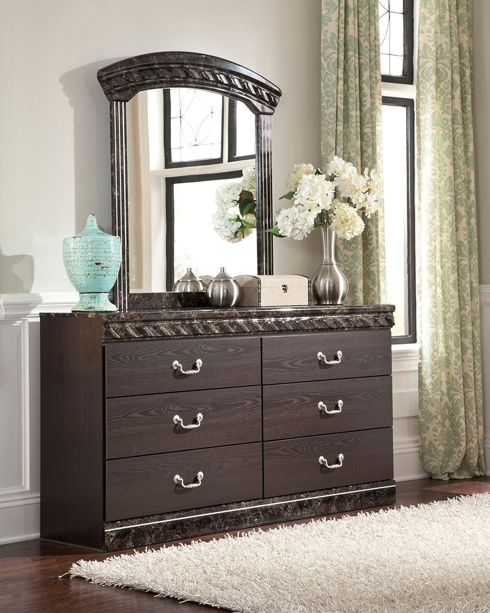 Picture of Vachel Dresser and Mirror Set