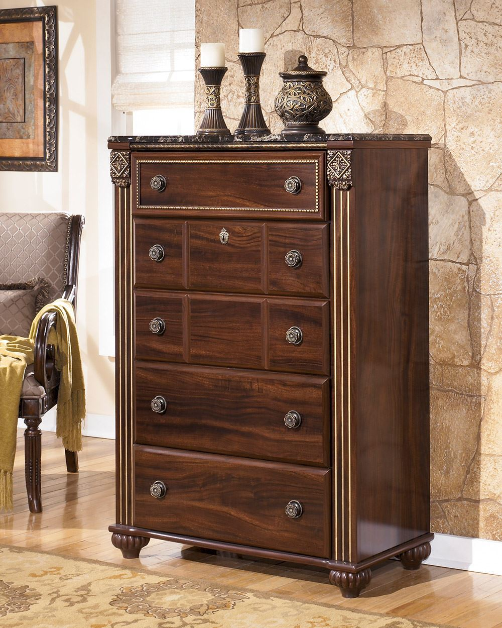 Picture of Gabriela Chest