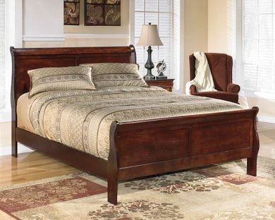 Alisdair Queen Bed Set