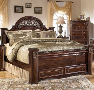 Gabriela Queen Storage Bed Set