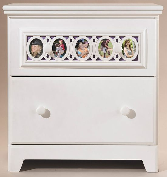 Picture of Zayley Nightstand