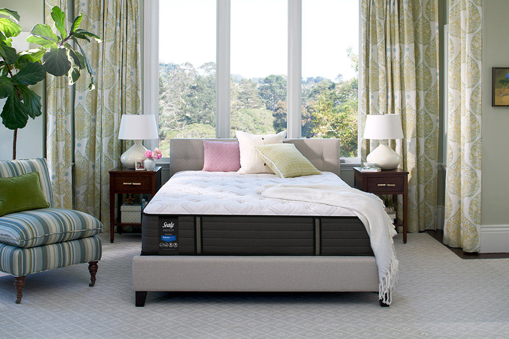 Picture of Sealy Response Spensley Plush TightTop Queen Mattress Only