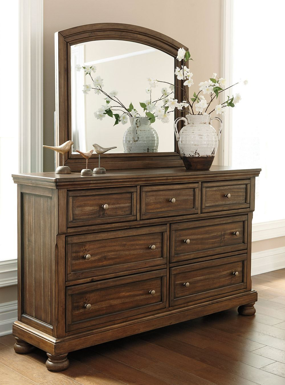 Picture of Flynnter Dresser and Mirror