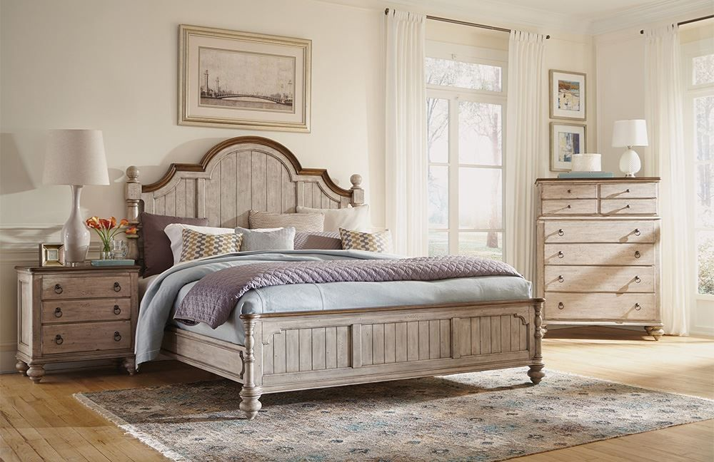 Picture of Plymouth King Poster Bed Set