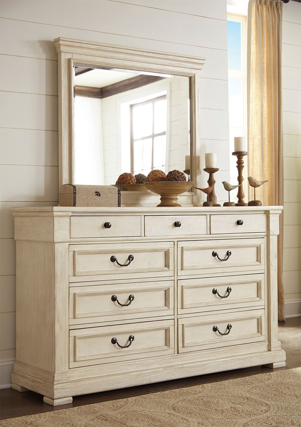 Picture of Bolanburg Queen Panel Bedroom Set