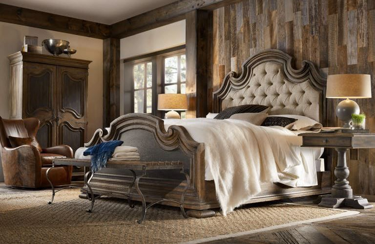 Picture of Hill Country King Upholstered Bed Set