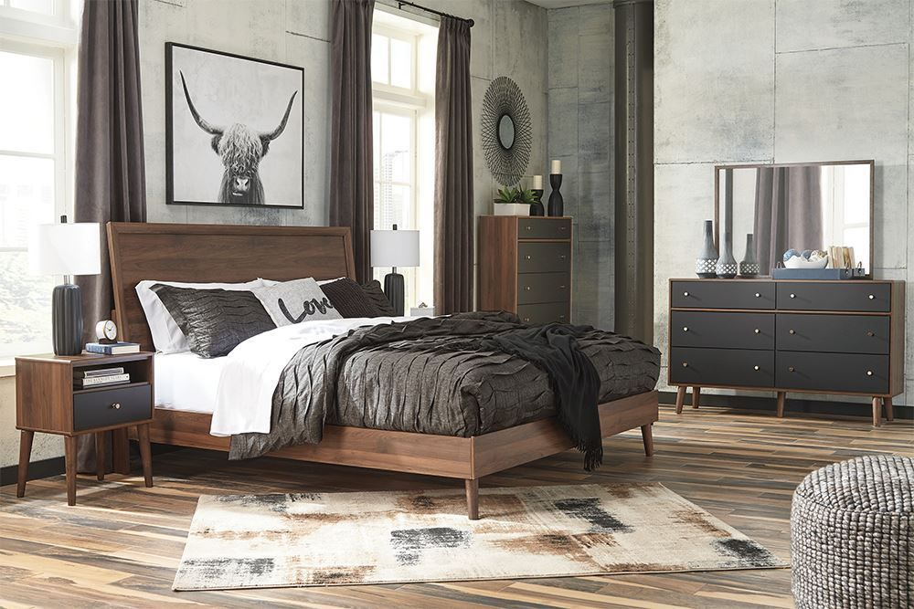Picture of Daneston King Panel Bed Set