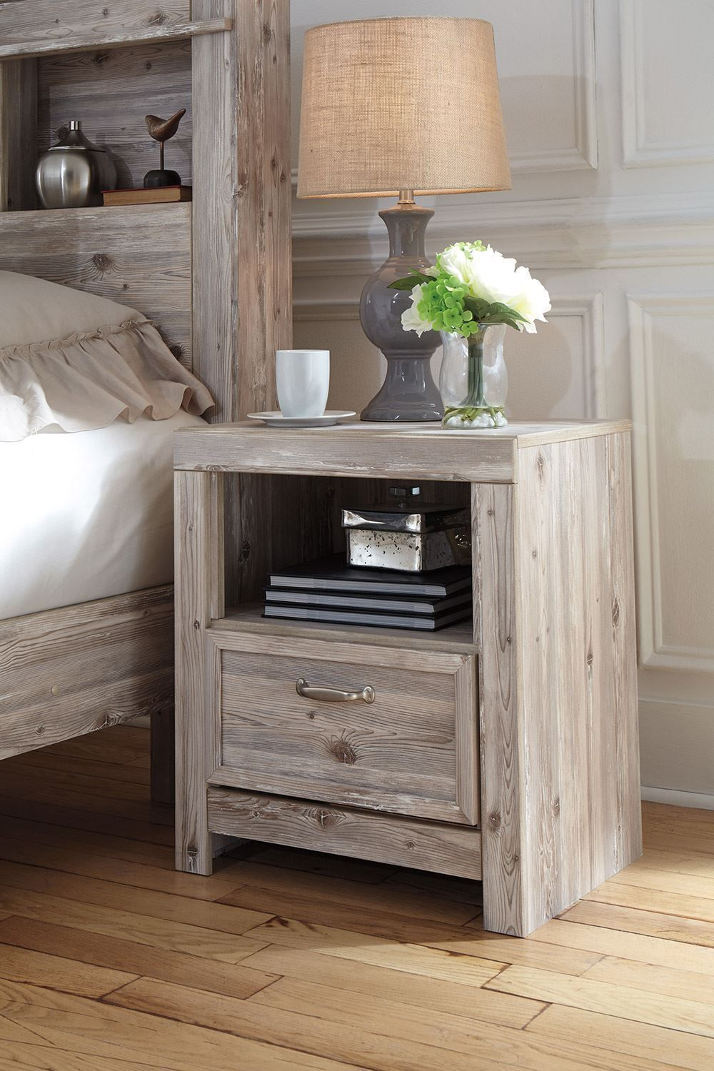 Picture of Willabry Nightstand