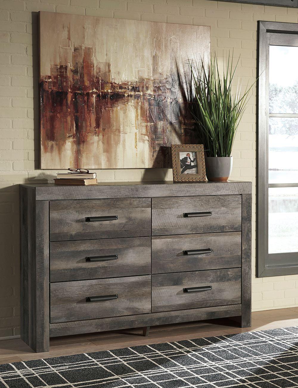Picture of Wynnlow Dresser