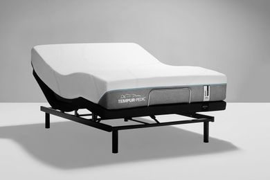 Tempur-Pedic Adapt Medium Hybrid Ergo Adjustable Base-Queen Mattress Set