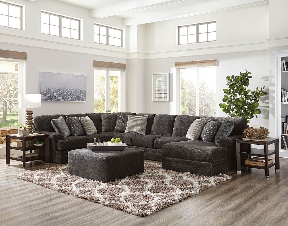 Picture of Mammoth Three Piece Sectional