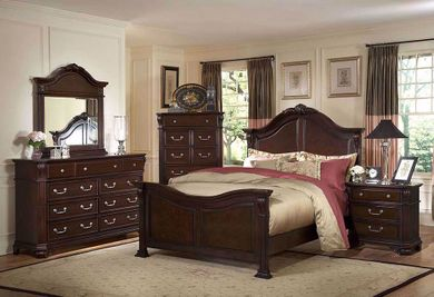 Emilie Queen Bedroom Set