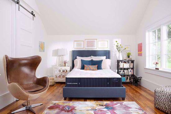 Picture of Stearns & Foster Cassatt Luxury Plush Queen Mattress Set
