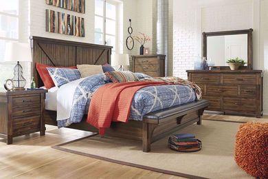 Lakeleigh Upholstered Bench King Bedroom Set