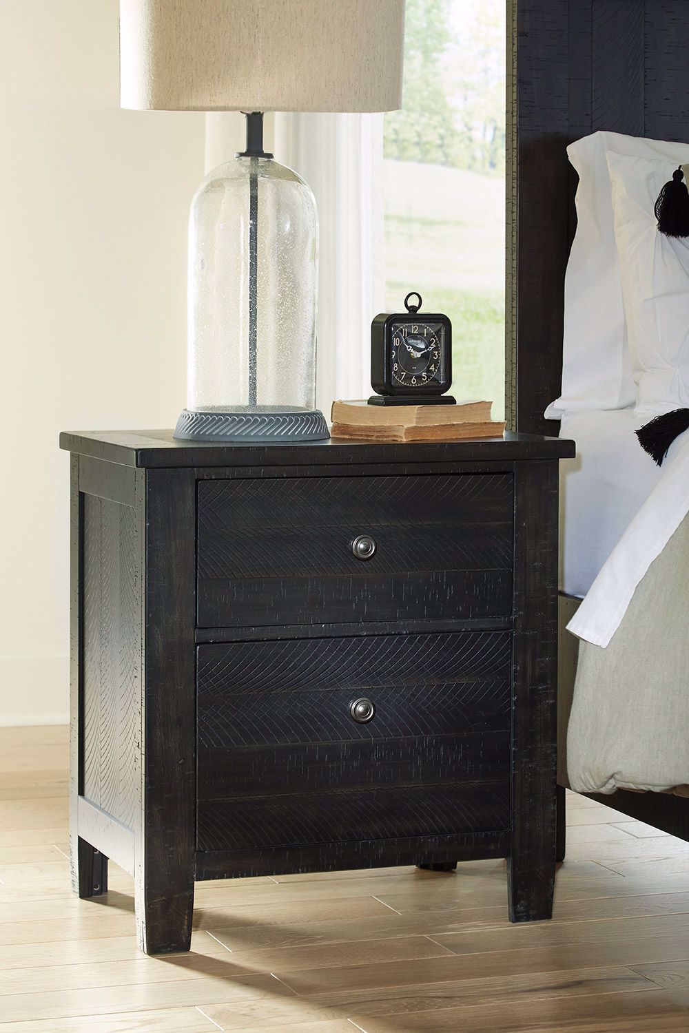 Picture of Noorbrook Nightstand