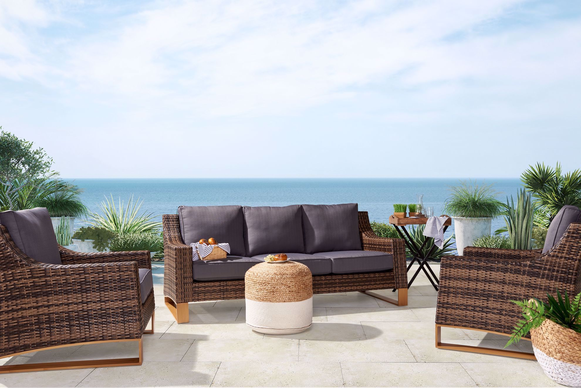 Picture of Shelton 4-Piece Patio Set