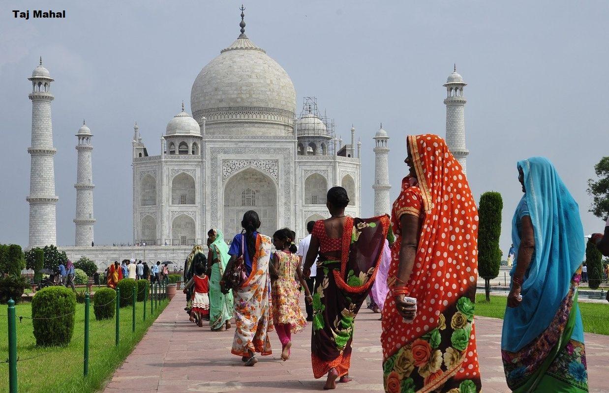Taj Mahal Visitors Cheap Flights To India