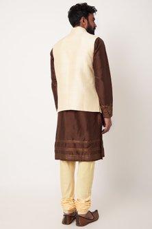 Gold Embroidered Bundi Jacket Set by Anurav