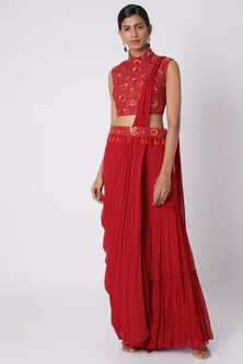 Red Embroidered Pre-Stitched Saree Set by Diya Rajvvir