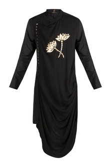 Black Embroidered Drape Kurta by Diya Rajvvir Men