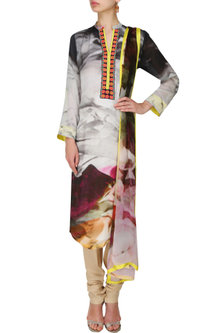 Grey floral printed kurta with dupatta by Flamingo By Shubhani Talwar